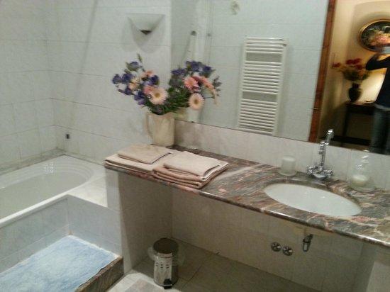 Villa Sestini: notre salle de bains privative
