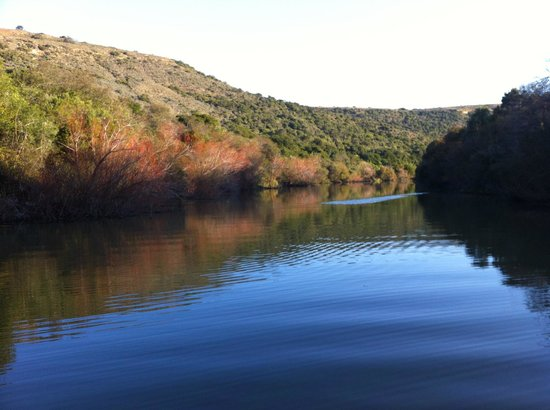 Hlosi Game Lodge: On Bushman's River for sun downers