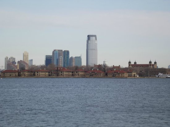 Ellis Island Immigration Museum : vista da Liberty Island