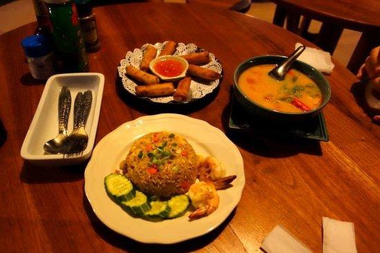Perennial Resort: 最後にタイ料理で晩餐