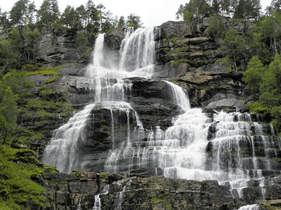 Vossestrand, Noruega: cascata