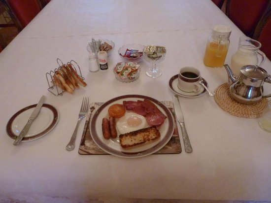 Dundrum House: An Ulster fry to start the day - surprisingly non-greasy!
