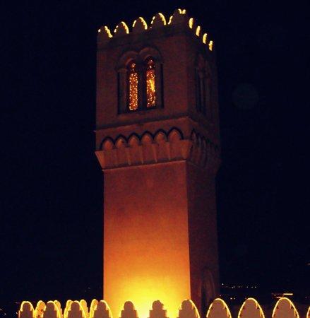 El Jebel Hotel: la torre illuminata di palazzo Ciampoli