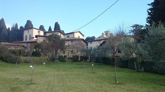 Osteria 1126: il borgo di Cinciano, nella cui piazzetta c'è il ristorante