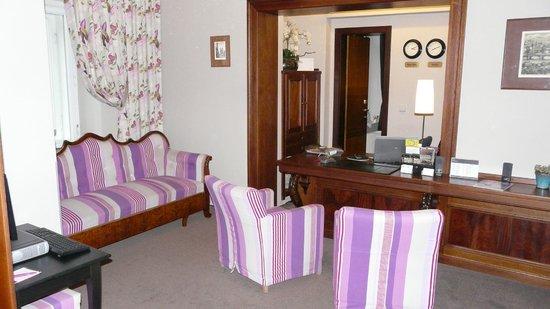 Hotel Klarov Prague: Ресепшн