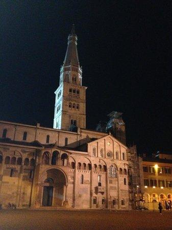Caffé Concerto : Duomo con la Ghirlandina
