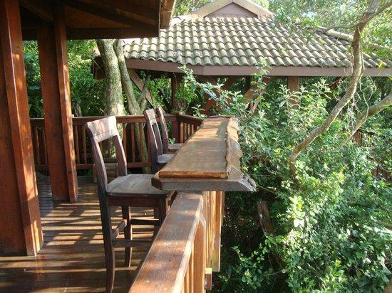 Imvubu Lodge: Барная стойка с видом на океан