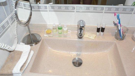 Boutique Hotel Klárov: Ванная комната