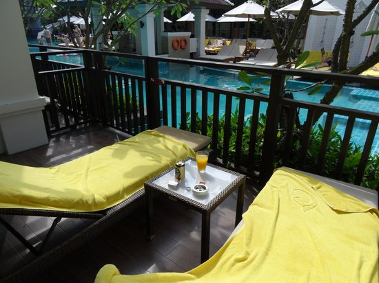 Centara Anda Dhevi Resort and Spa : Our private deck with private access to pool