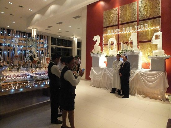Luxury Bahia Principe Sian Ka'an Don Pablo Collection: New Year's eve in the buffet restaurant