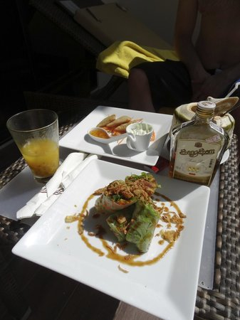 Centara Anda Dhevi Resort and Spa: Some of the bar snacks we ordered
