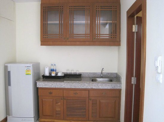 Le Murraya: Kitchen