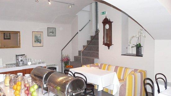 Hotel Klarov Prague: Завтраки