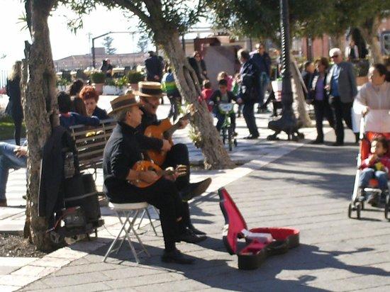 Cattedrale di Taormina: Street Musicians