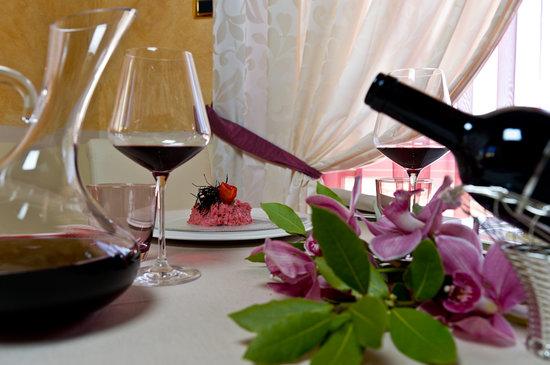Etruria Resort & Natural Spa: Ristorante , particolare bottiglia