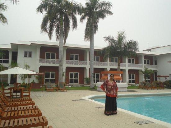 Hotel Chandela: Swimming Pool