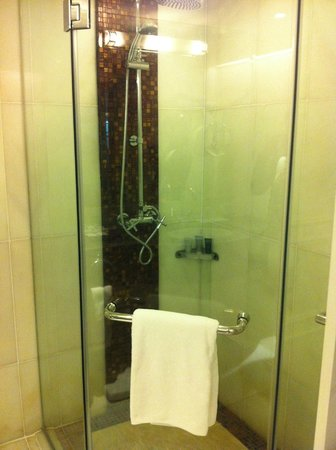 JW Marriott Hotel Bangkok: Doccia