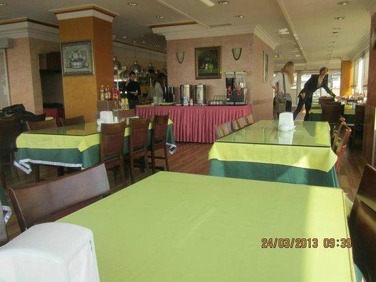 Yaztur Hotel: Restaurant