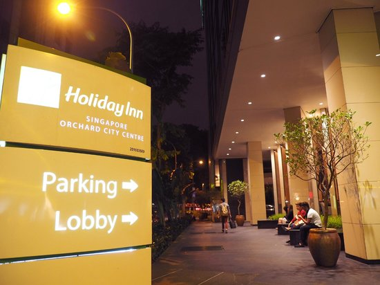 Holiday Inn Singapore Orchard City Centre: Front entrance