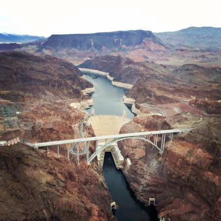 Serenity Helicopters : Hoover Dam