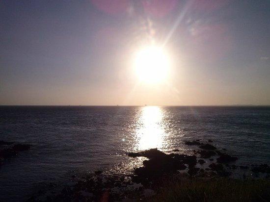 Praia do Porto da Barra: Reflexo do por do sol