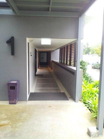 Deevana Plaza Krabi Aonang : Way to the rooms