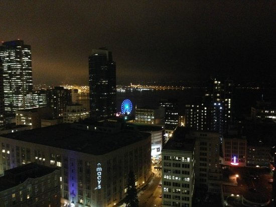 The Westin Seattle: Nighttime view from room