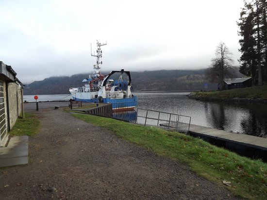 Fort Augustus: Caledonian Canal footpath which opens out onto Loch Ness