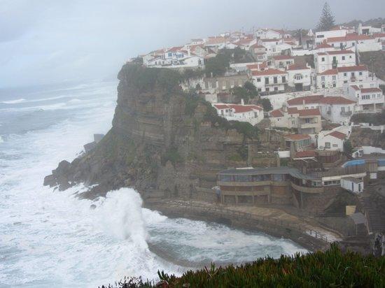 Restaurante Azenhas do Mar: Stormy day at Azenhas