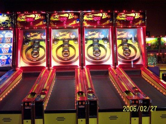 Tundra Lodge Resort Waterpark & Conference Center: Arcade