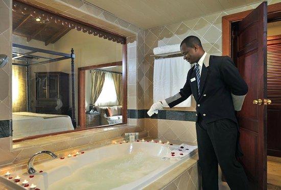 Luxury Bahia Principe Cayo Levantado Don Pablo Collection: Bathroom