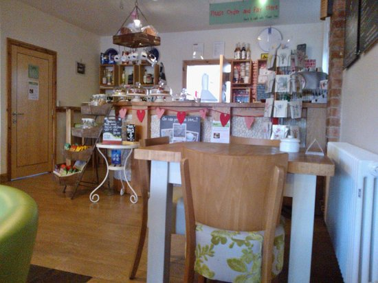 DINO'S Italian Cafe Lounge Stanley Common: Counter