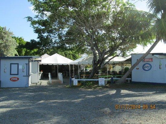 Cheeseburgers in Paradise: Restaurant