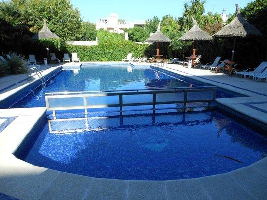 Hotel Italiano: Muy buena piscina