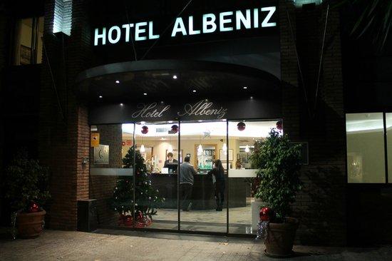 Catalonia Albeniz : Центральный вход в отель