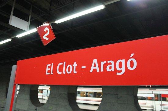 Catalonia Albeniz : Станция пригородных электричек. расписание перед кассами и на сайте