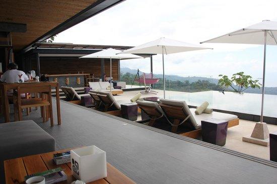 Kura Design Villas Uvita : pool deck