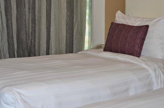 Grand Borneo Hotel: Cozy Bed