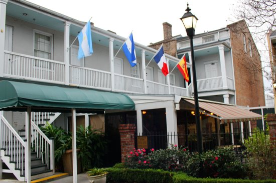 Maison St. Charles Hotel and Suites : breakfast place