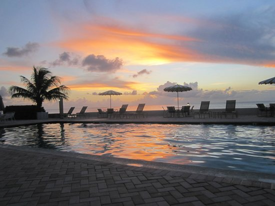 The Grandview Condos Cayman Islands : sunset