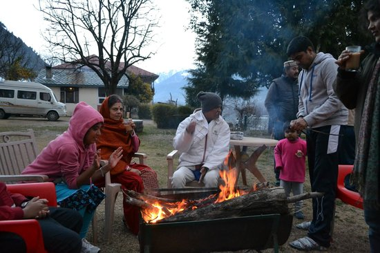 Upadhyay Cottages: Campfire