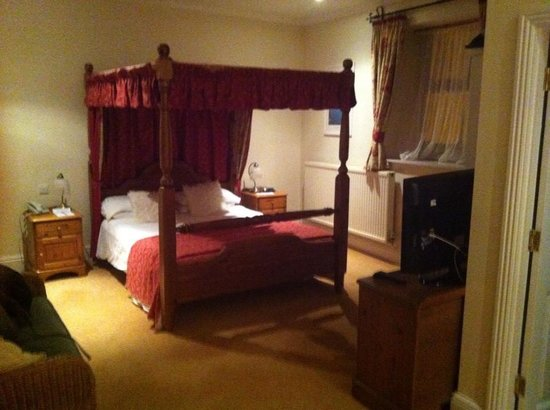 Tyacks Hotel: Bed