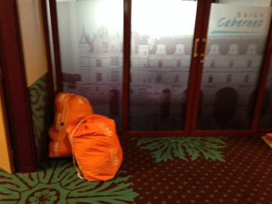 Ibis Styles Tours Centre : couloir