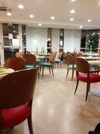 Ibis Styles Tours Centre: restaurant