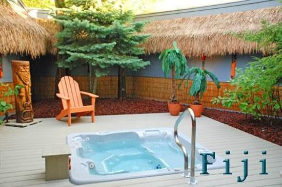 Beautiful Oasis Hot Tub Gardens