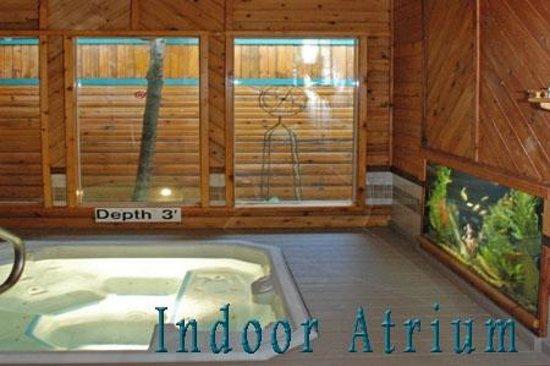 Oasis Hot Tub Gardens: Indoor Atrium