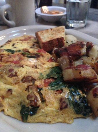 Dottie's True Blue Cafe : Omlete with buttermilk dill toast and potatoes