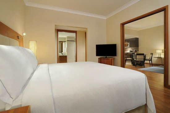 Hilton Bangalore Embassy GolfLinks: One Bedroom with Kitchenette