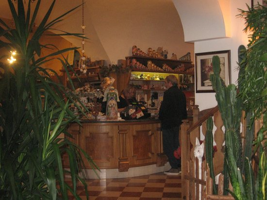 Ristorante Vecchia Fontana: Ingresso e bar
