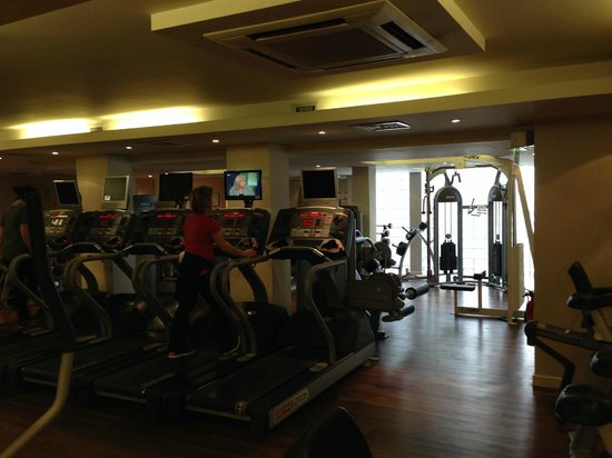 K West Hotel & Spa: gym area